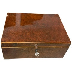 Biedermeier Casket Box, Walnut Root and Maple, South Germany circa 1820