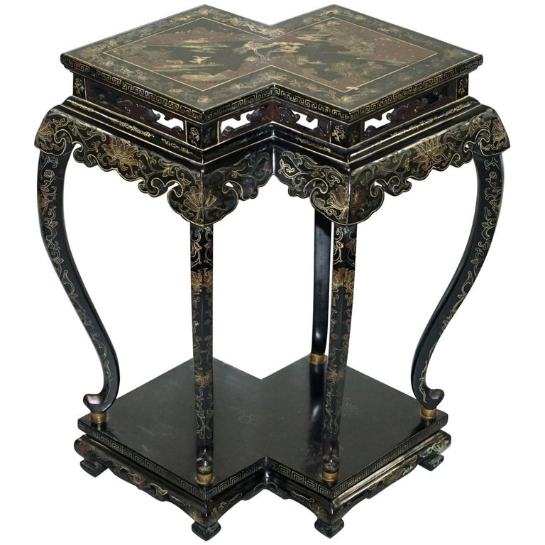 Hand-Painted 19th Century Chinese Chinoiserie Lacquered Jardinière Plant Stand