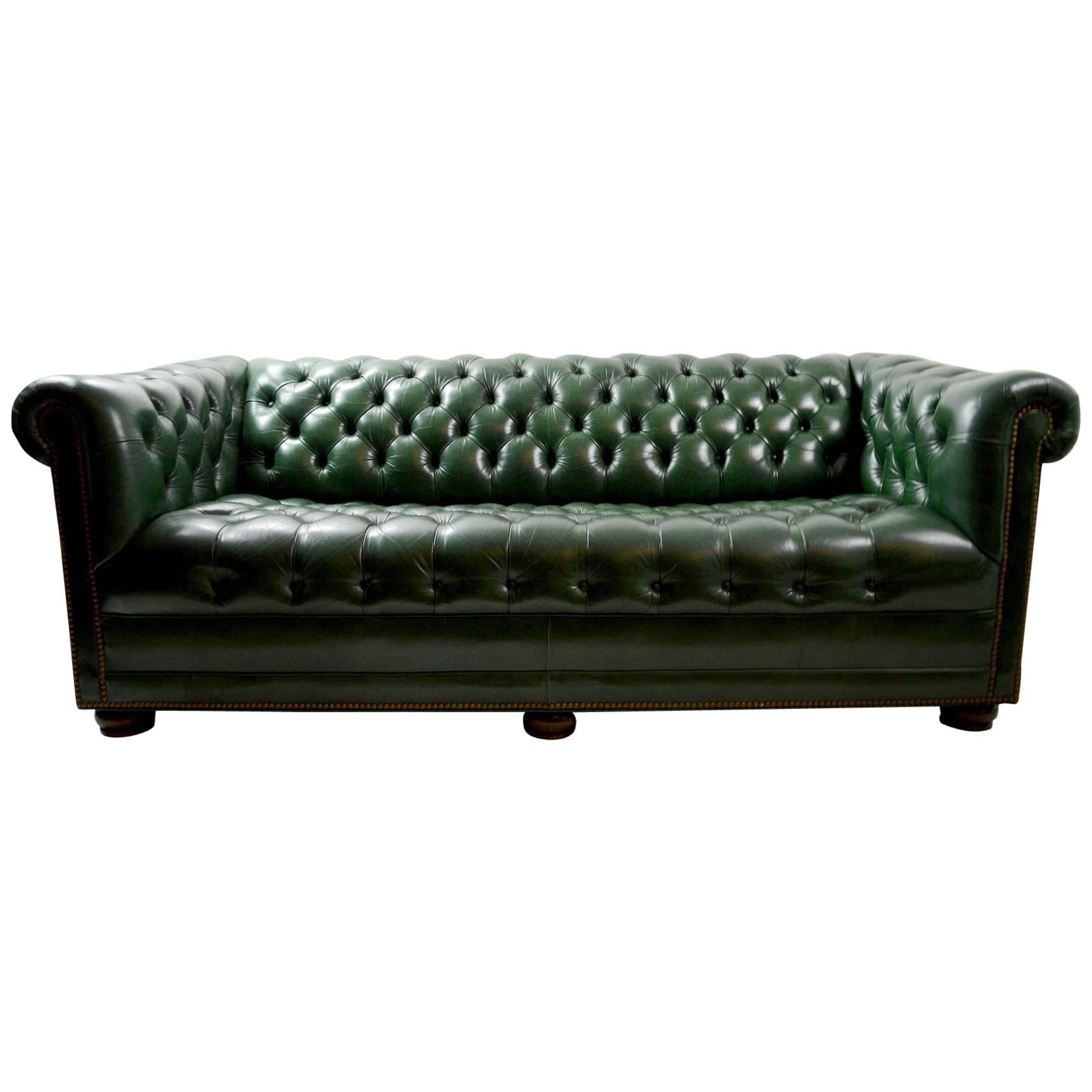 Merveilleux Leather Chesterfield Sofa By Hancock And Moore For Sale