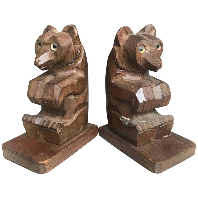 Highly Decorative Pair of Hand-Carved Art Deco Era, Wooden Sitting Bear Bookends For Sale