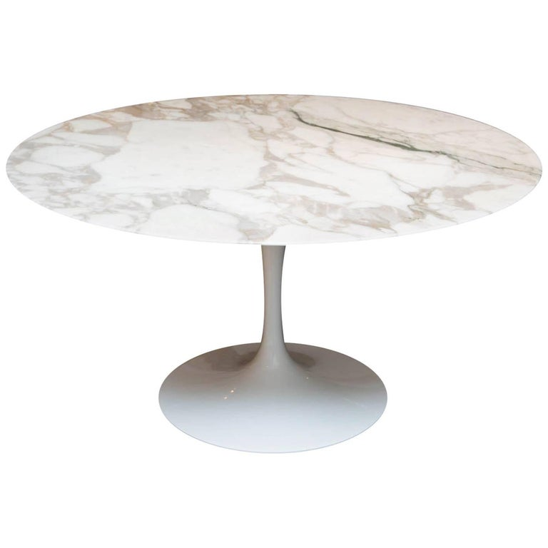 Knoll Marble-Top Saarinen Tulip Table