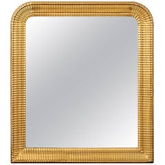 French Louis-Philippe Style Ridged Giltwood Mirror from the Early 20th Century