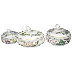 Set of Three Spode Stafford Flowers Lidded Vegetable Tureens