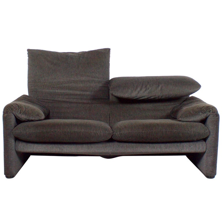 Sofa Maralunga by Vico Magistretti for Cassina, 1973