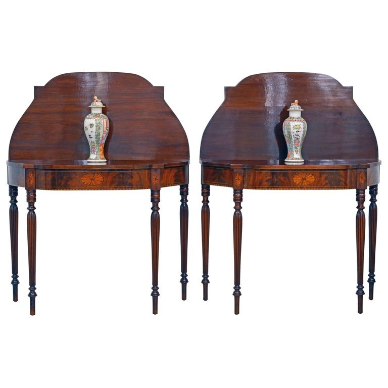 Pair of Early 20th Century American Sheraton Style Inlaid Mahogany Card Tables For Sale
