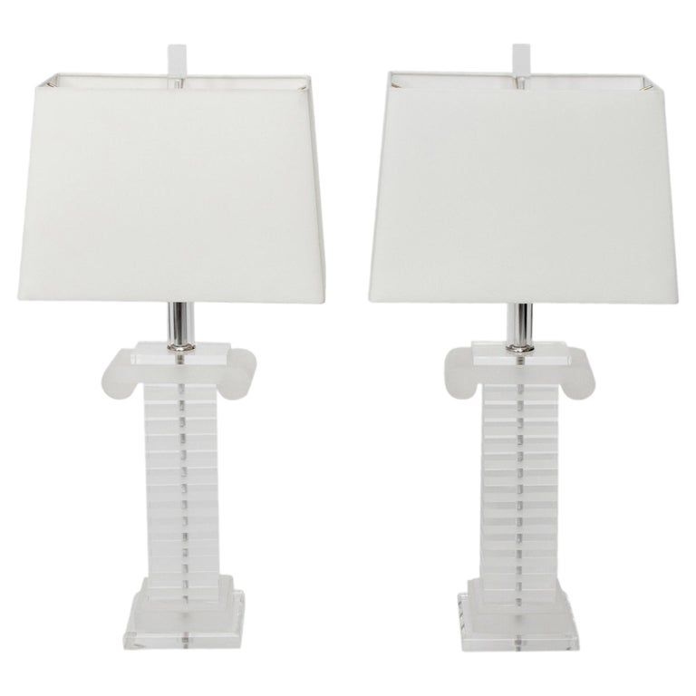 Pair of 1970s Lucite Column Lamps For Sale