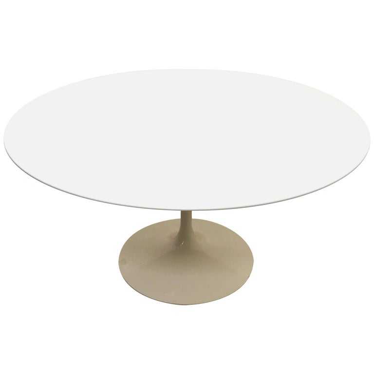 Original Tulip Table By Eero Saarinen Signed Knoll Studio Round - Original tulip table