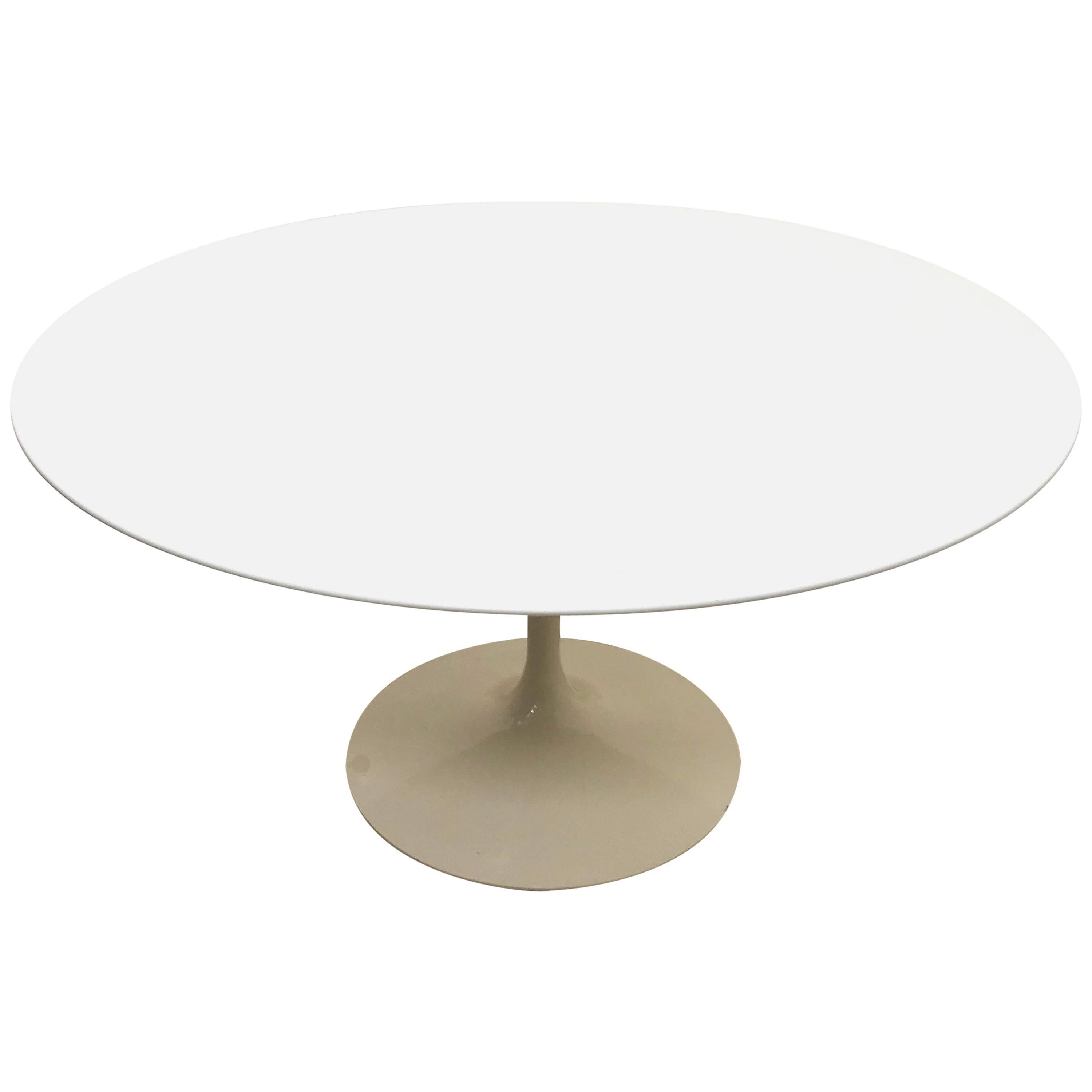 Original Tulip Table By Eero Saarinen Signed Knoll Studio, Round Table For  Sale