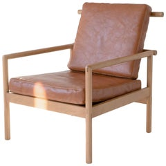 Ten Chair, Sienna Minimalist / Midcentury Lounge Chair in Wood, Leather