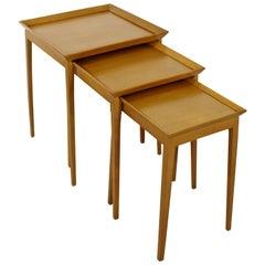 Mid-Century Modern Set of Nesting Side Tables, Robsjohn-Gibbings Widdicomb 1950s