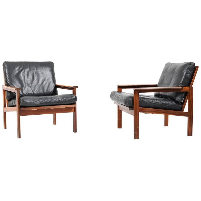 Pair of Illum Wikkelsø Capella Lounge Chair in Rosewood and Black Leather