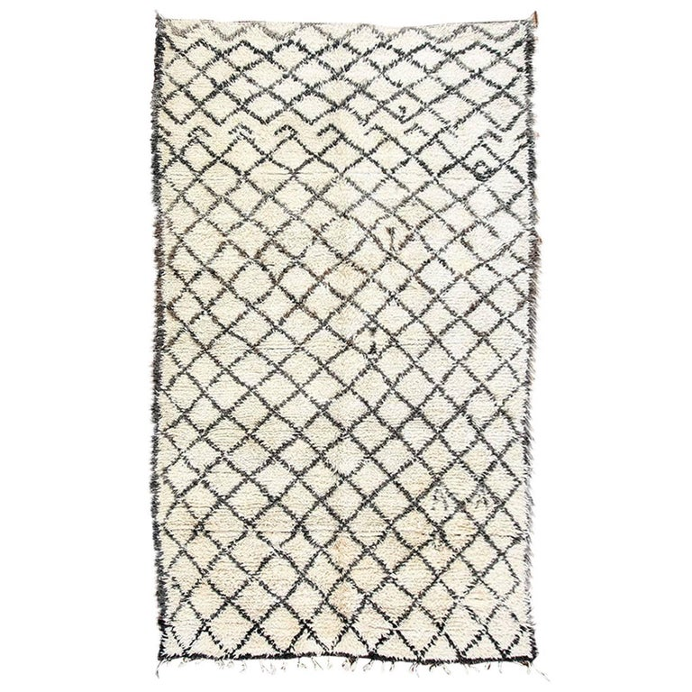 Vintage Midcentury Beni Ouarain Moroccan African Rug For Sale