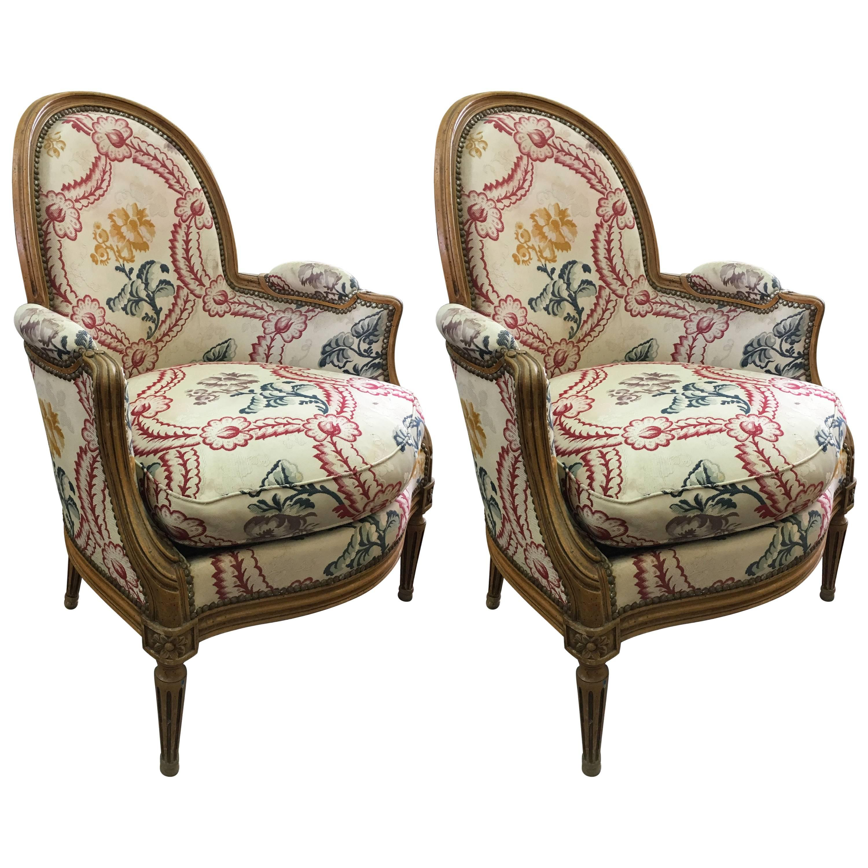 Elegant 19th Century French Pair Of Antique Armchairs In Louis XVI Style For Sale