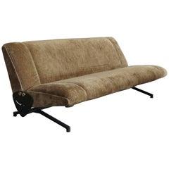 1950s Osvaldo Borsani Italian Midcentury Modern Daybed Sofa Model D70 for Tecno