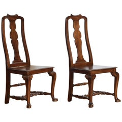 Italian, Tuscan, Queen Anne Style Pair of Walnut Side Chairs, Late 18th Century