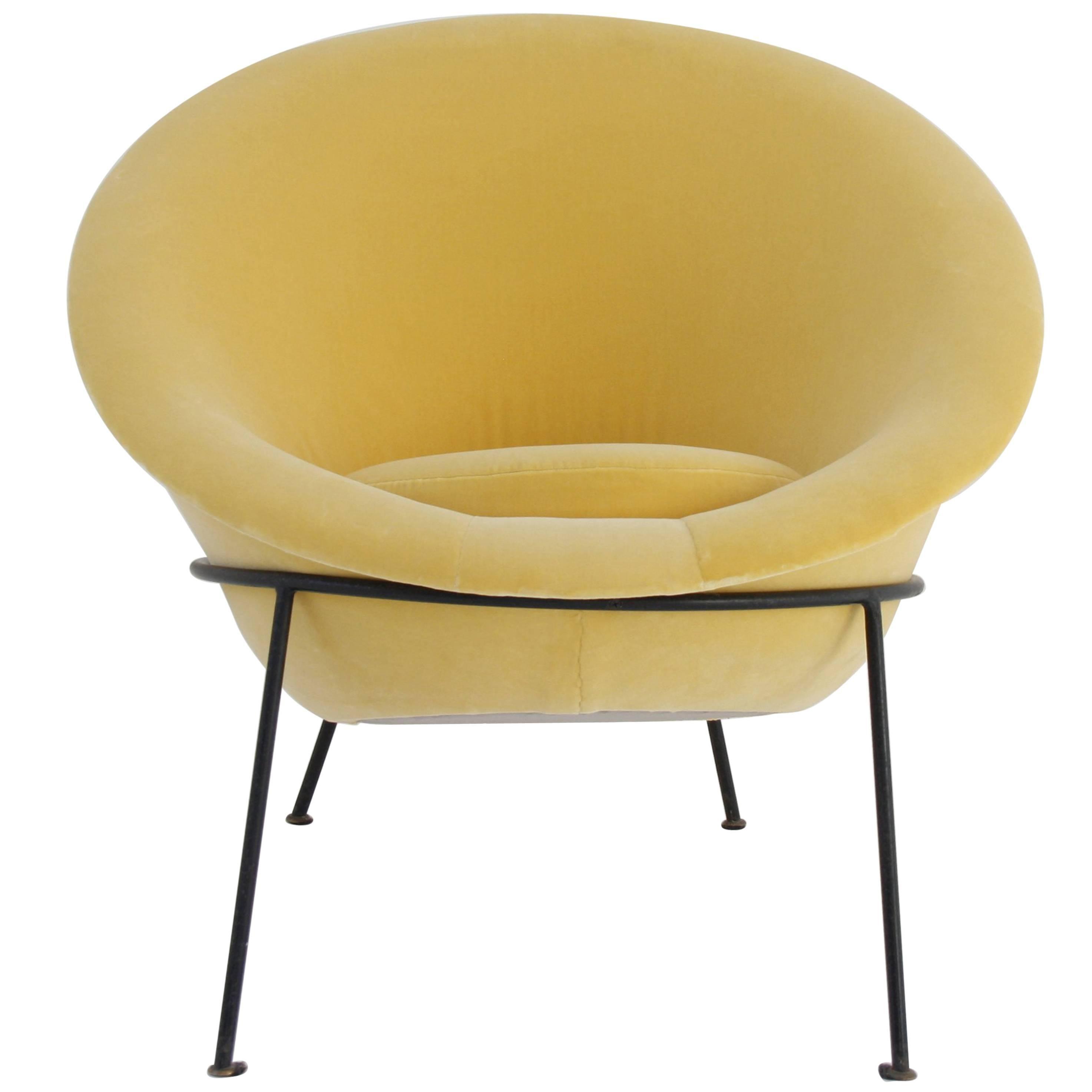 Italian Vintage Round Armchair Attributed To Vittorio Vigano, Circa 1960  For Sale