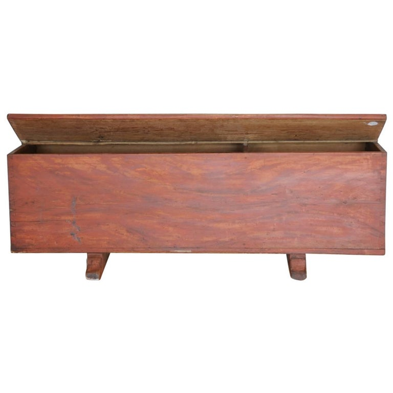 Allmoge Trunk or Bench with Faux Bois Painted Finish, Origin Sweden, circa 1800