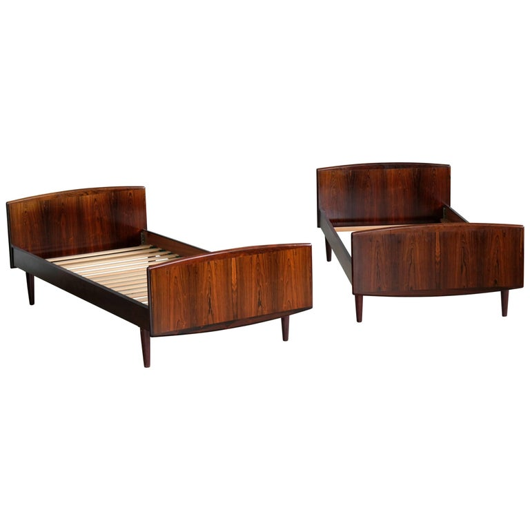 Pair of Danish Midcentury Rosewood Twin-Size Guest Beds by Sanneman