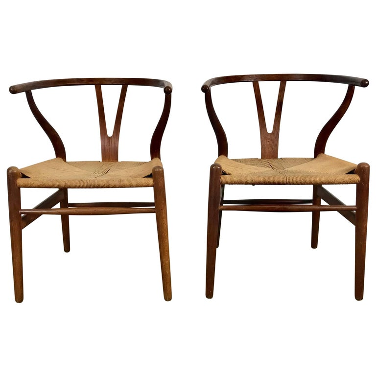 Pair of Early Wishbone Chairs in Oak Designed by Hans Wegner