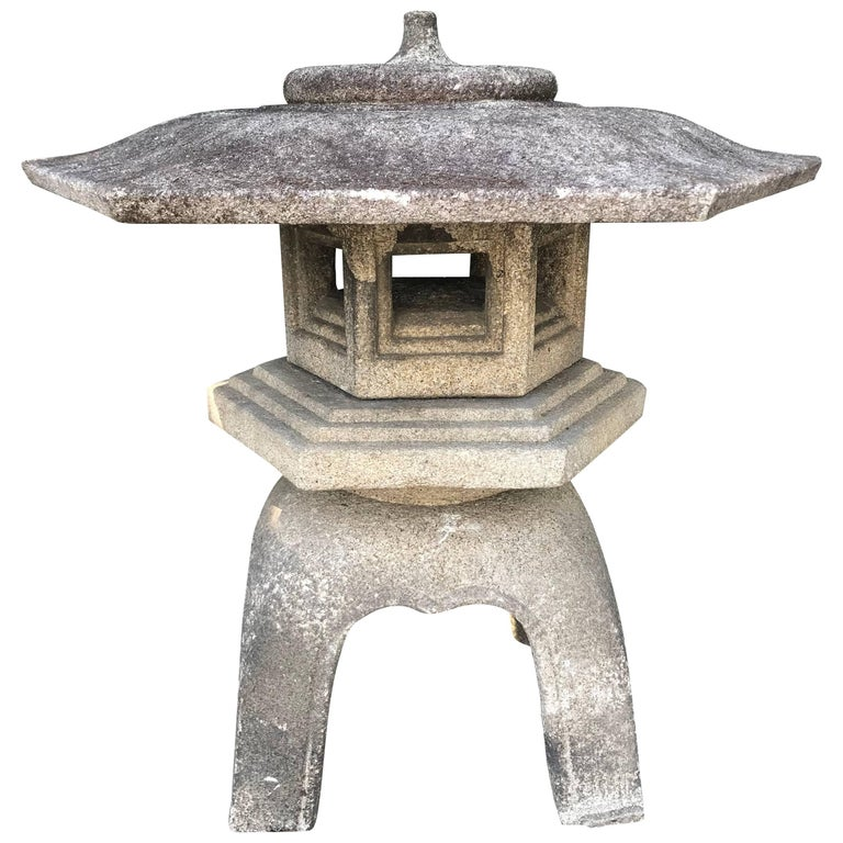 "Japan Antique Stone Lantern ""Yukimi"" Hand-Carved Classic Water and Snow"