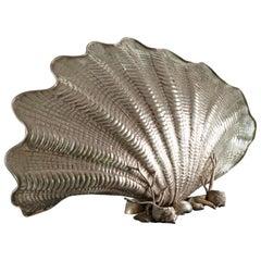 Roberto Michetti Art Nouveau Shell Shaped Embossed Silver Italian Lamp, 1910s