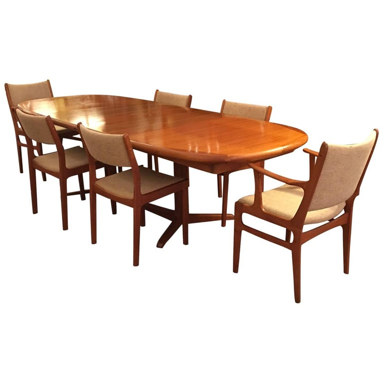 Danish Style Oval Table with Six Chairs, Mid-Century Modern