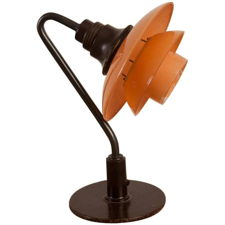 Poul Henningsen, Low Miniature Table Lamp, 2/2 Red Frosted Shades, Circa 1933 For Sale