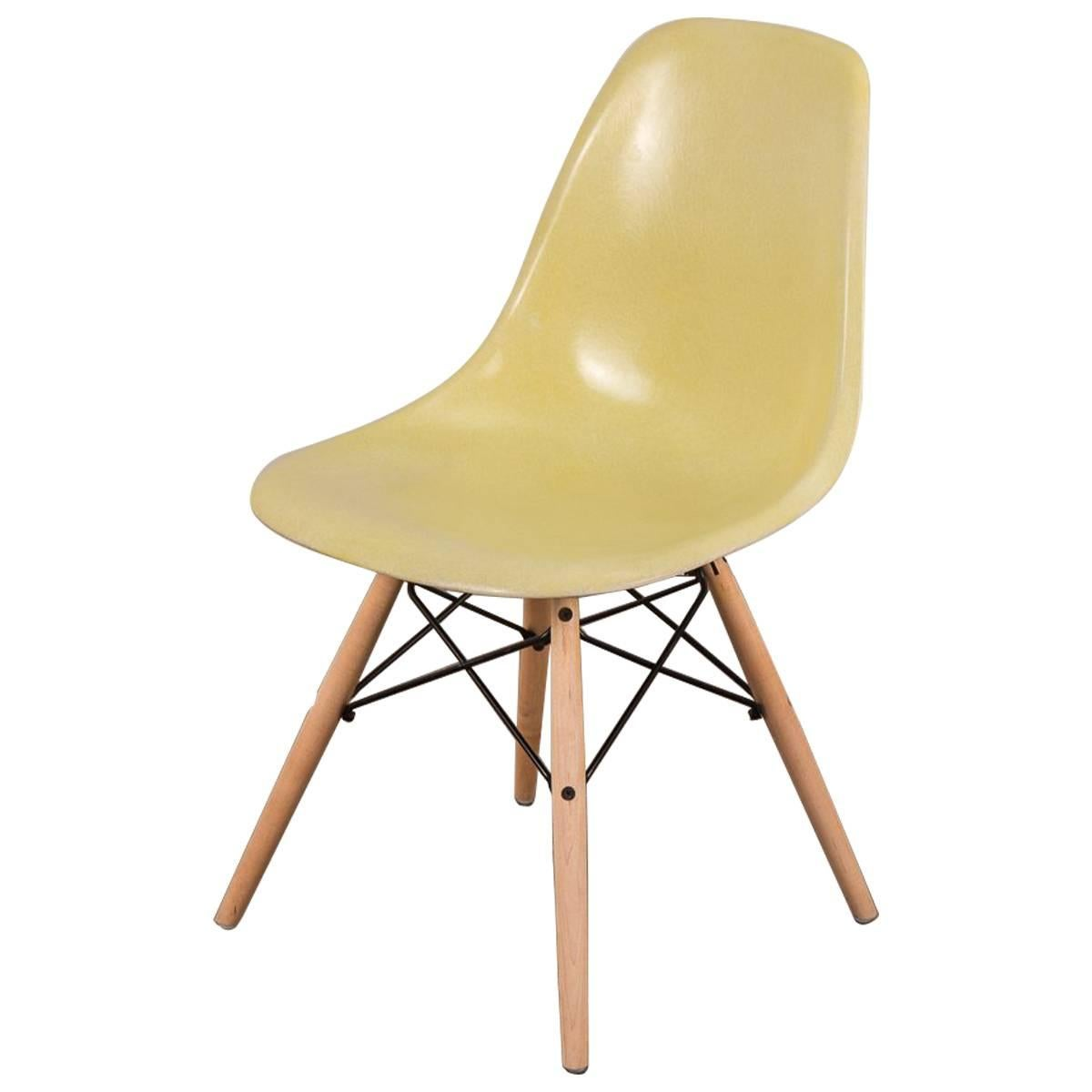 Bon Canary Yellow Eames Shell Chair On Maple Dowel Base For Herman Miller For  Sale