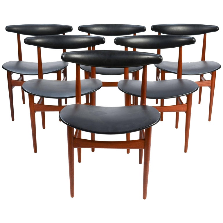 Set of Six 218A Compass Back Chairs by Vamdrup Stolefabrik of Denmark For Sale
