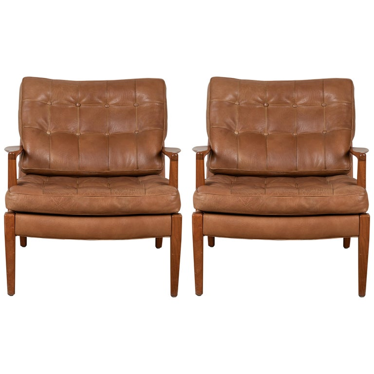 Pair of Löven Lounge Chairs by Arne Norell For Sale