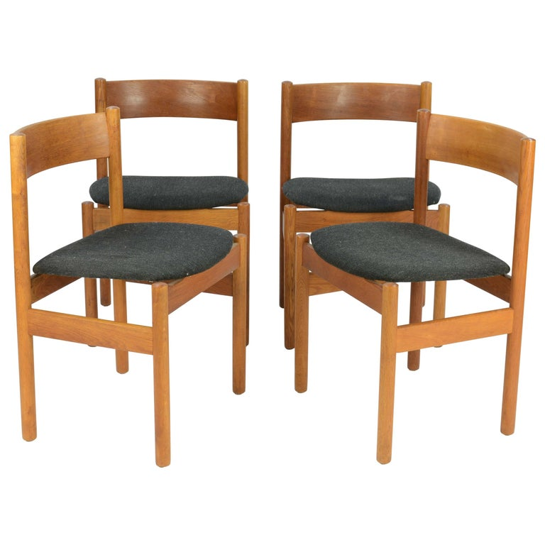 Set of Four FDB Mobler Floating Seat Dining Chairs after Borge Mogensen For Sale
