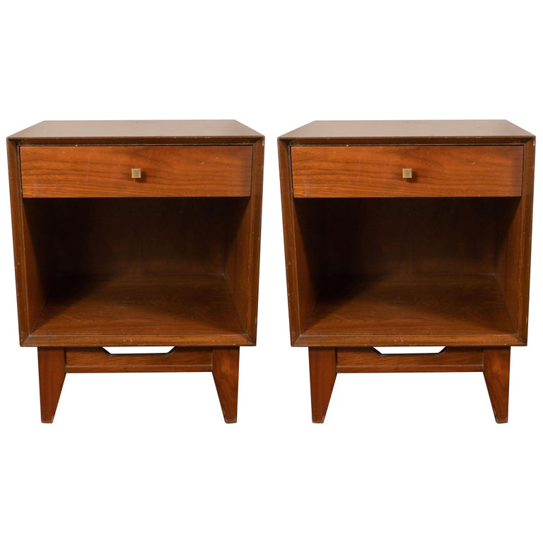 Pair of Midcentury Nightstands with Drawer