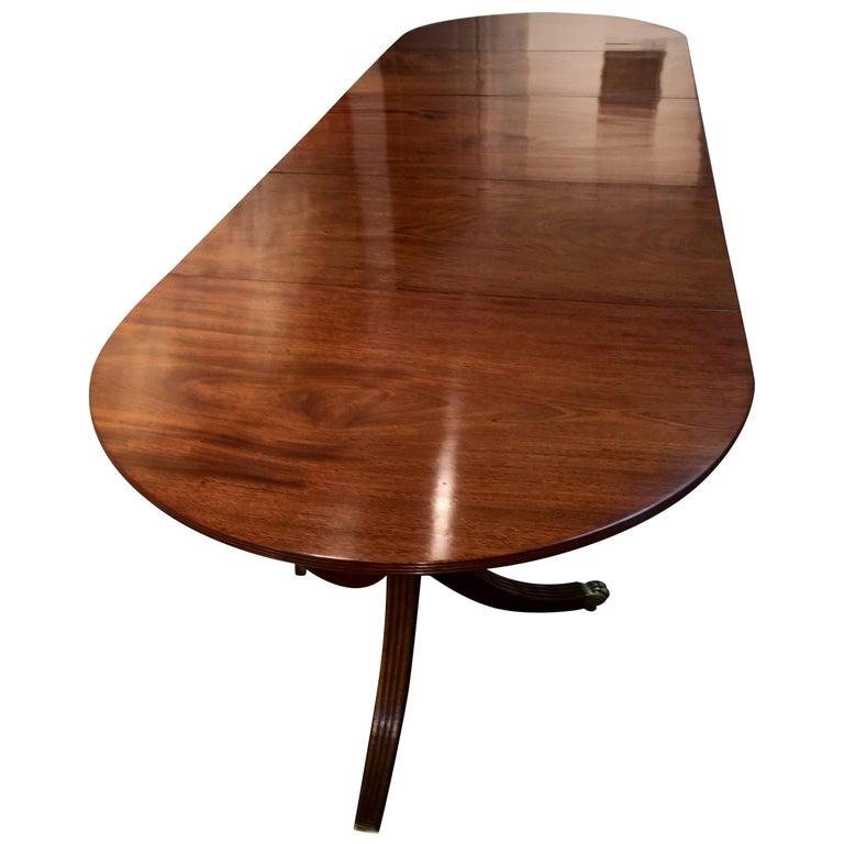 Late 19th Century Mahogany Dining table