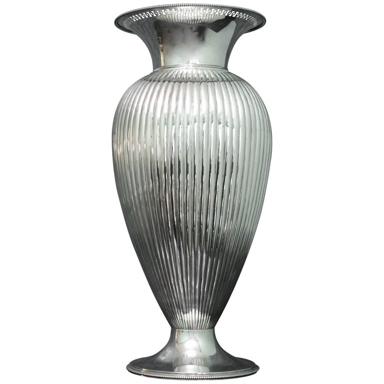 Miracoli Romeo 20th Century Silver Art Dec Flower Vase 1920s For