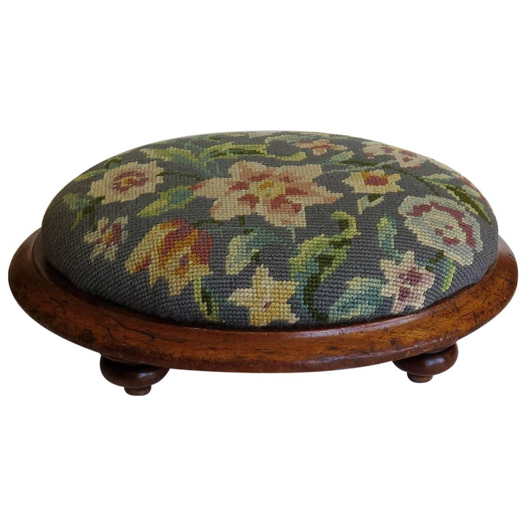 Mid-19th Century English Oval Footstool with Walnut Frame and Tapestry Top