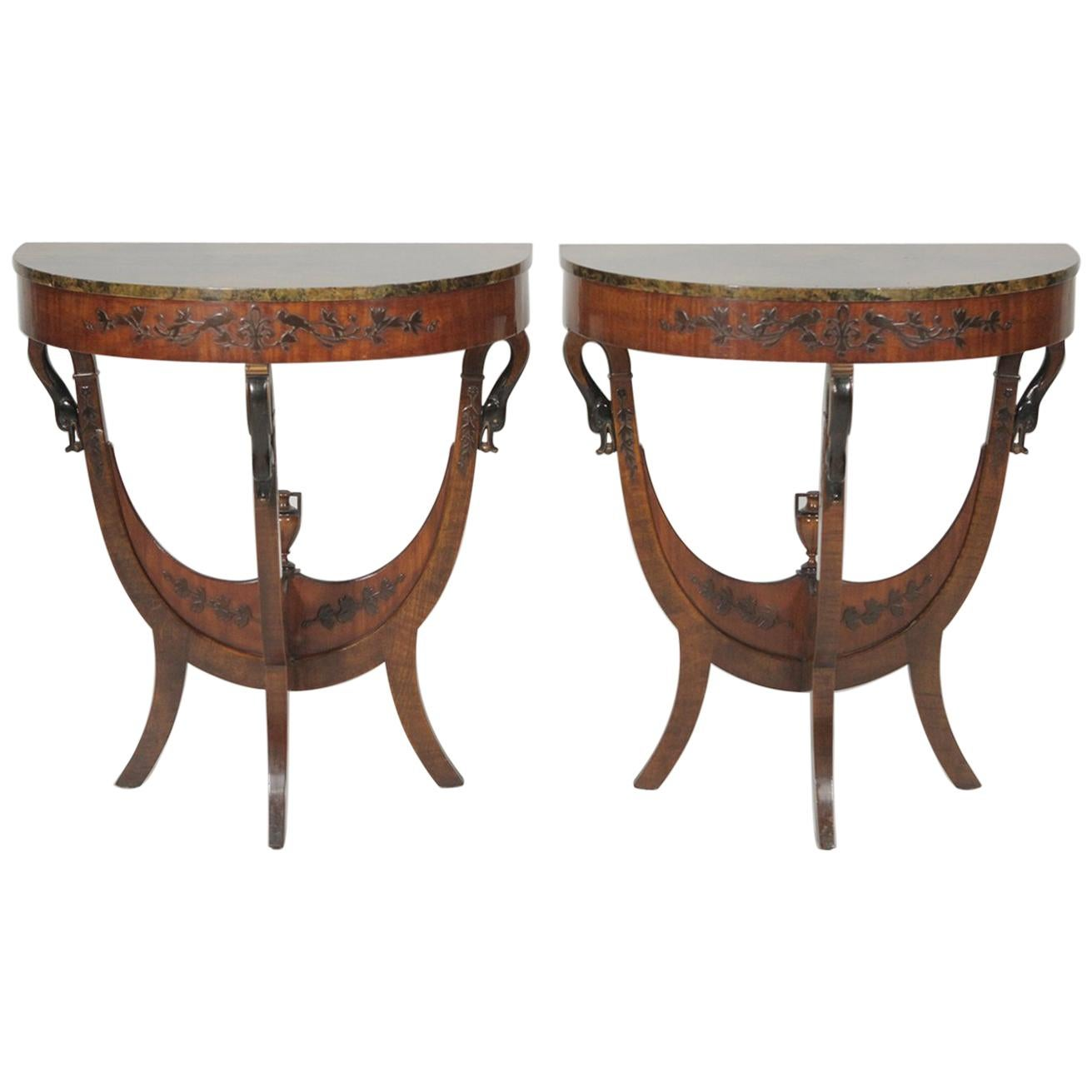 Attirant Pair Of Early 1900s Half Round Tables