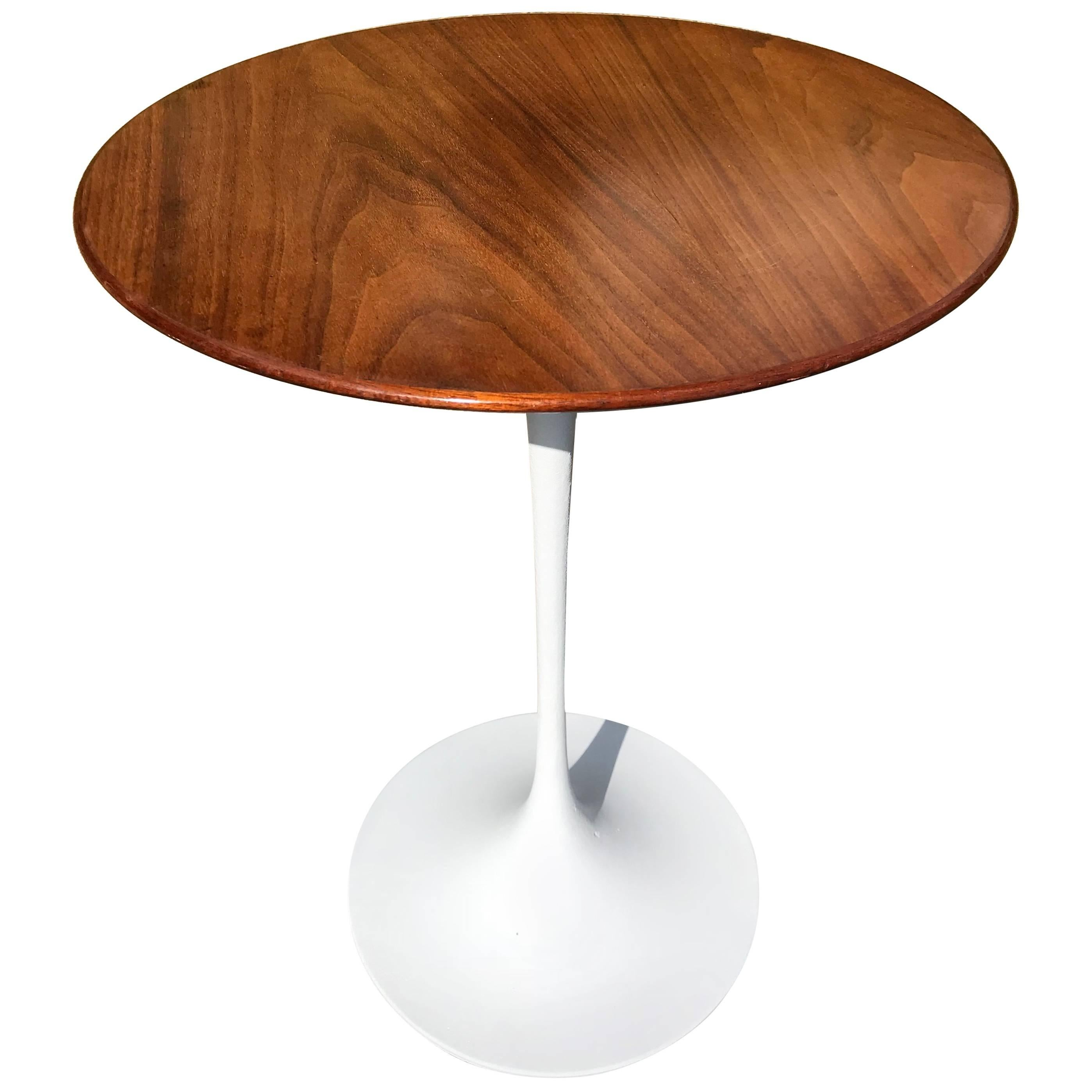 Tulip Table In Small Size By Eero Saarinen