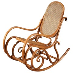 Late 19th Century Rocking Chair in Beech by Maison Thonet