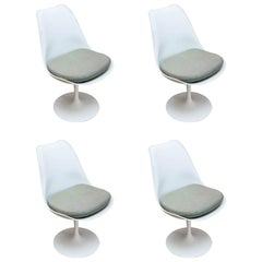 Set of Four Eero Saarinen for Knoll Tulip Dining Chairs, 1962