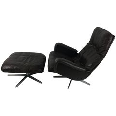 "De Sede ""James Bond"" S231 Lounge Chair with Ottoman"