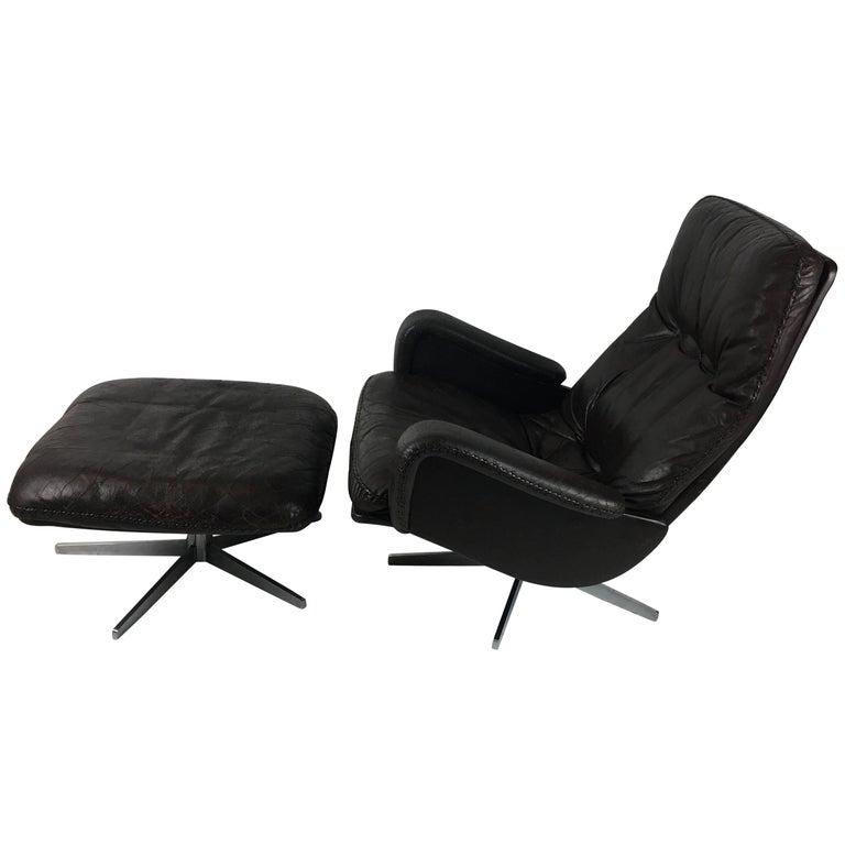 "De Sede ""James Bond"" S231 Lounge Chair with Ottoman For Sale"