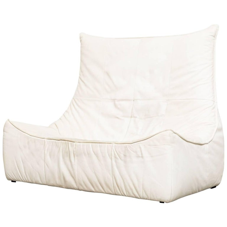 "White Leather ""Rock"" Loveseat by Gerard Van Den Berg for Montis"