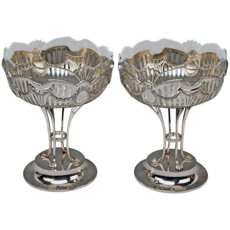Silver Vienna Pair of Fruitbowls Centrepieces Art Nouveau by Ferdinand Vogl 1914 For Sale