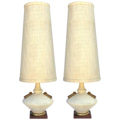Stylish Pair of American Midcentury Ivory Crater-Glazed Saucer-Form Lamps