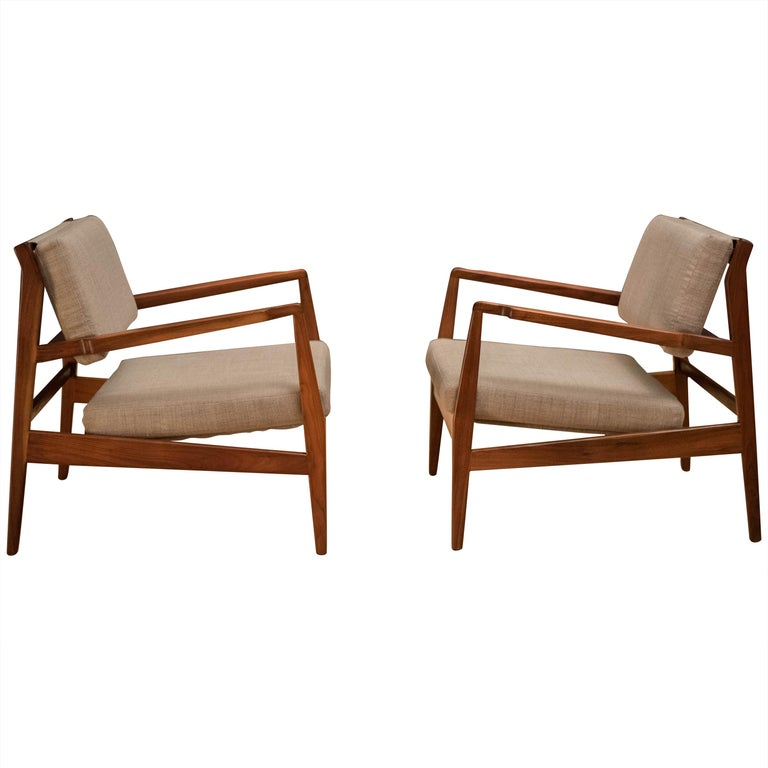 Vintage Pair Of Walnut Lounge Chairs By Jens Risom For