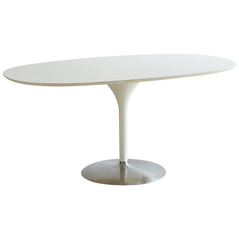 7d4e4ced02794 Contemporary Eero Saarinen Oval Tulip Table For At 1stdibs