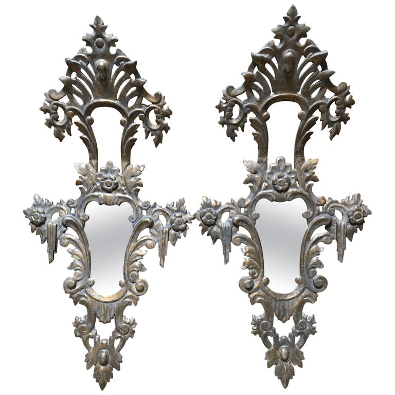 Italian Hand-Carved First Half of the 20th Century Gold Leaf Pine Mirrors, Pair For Sale