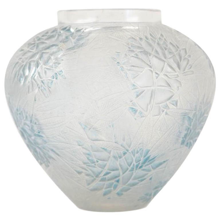 """René Lalique Vase """"Esterel"""""""