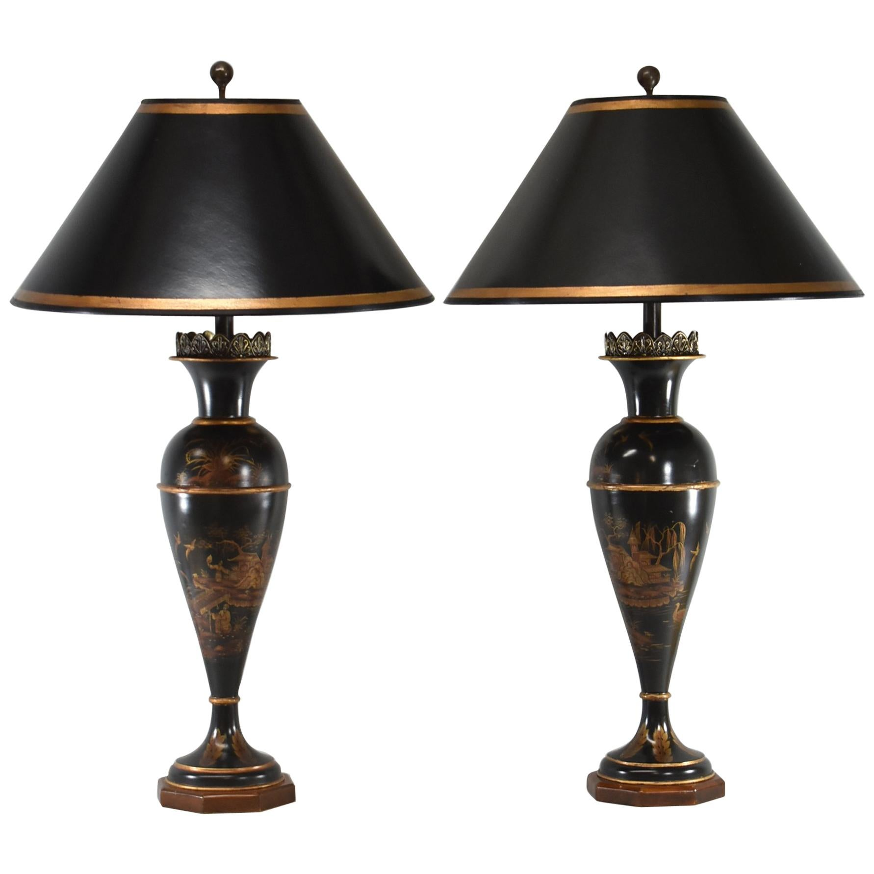 Exceptionnel Pair Of Tole Asian Style Table Lamps For Sale