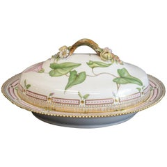 Superb Royal Copenhagen Porcelain Lidded Tureen in Flora Danica 20/3567